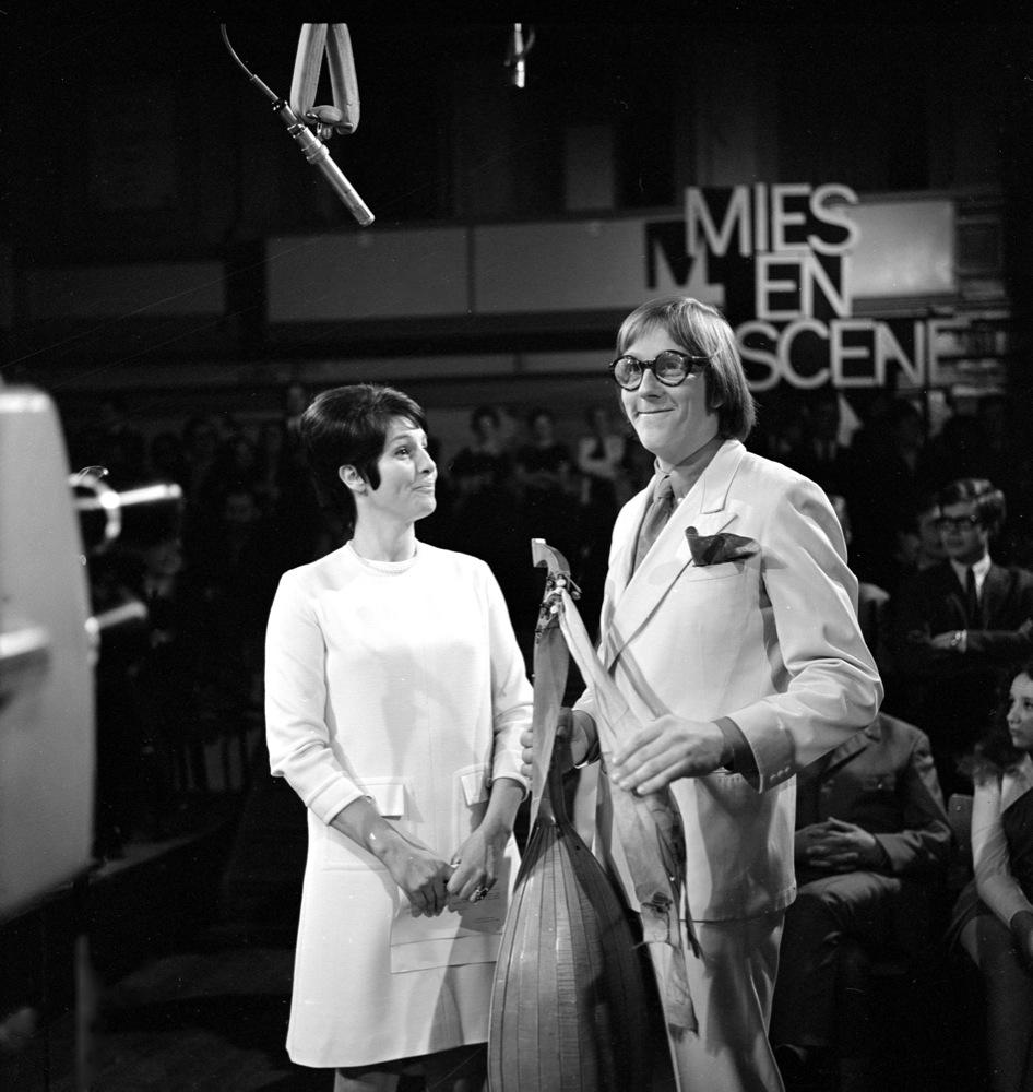 Freek de Jonge te gast in de tv-show van Mies Bouwman, 1969.