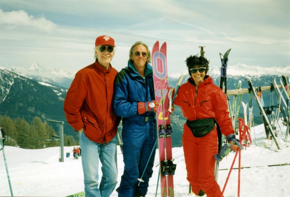 In Freek doet de deur dicht vertelt Freek het verhaal hoe Paul van Vliet 'zoekraakt' tijdens een bezoek aan Freek en Hella in Zwitserland.
