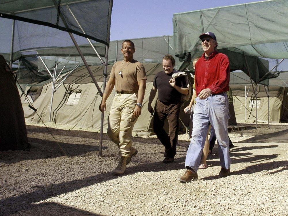 Op bezoek bij de Nederlandse militairen in Irak.