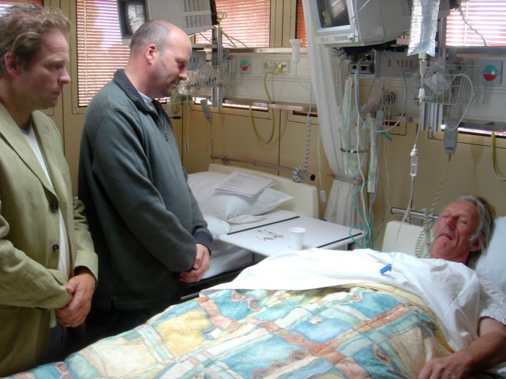 Scènefoto met Erik van Muiswinkel (links) en Diederik van Vleuten.